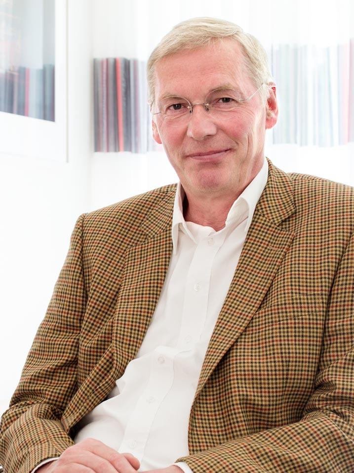 Dr. Wilhelm Pavenstädt