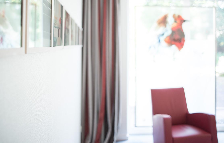 Dr-Pavenstaedt-Hausarzt-Behandlungszimmer-Sessel